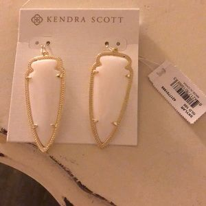 Skylar Kendra Scott earrings